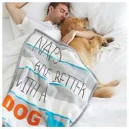 Hundedecke - Naps are better with a dog
